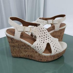 NWOT SO White & Brown Wedges Open Toe Crochet/Wood